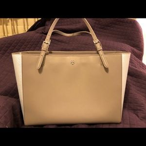 Tory Burch Bags - Tory Burch Large York Buckle Tote